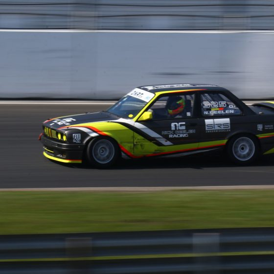 car race circuit black yellow